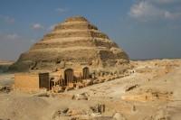 Džoserova pyramida v Sakkáře